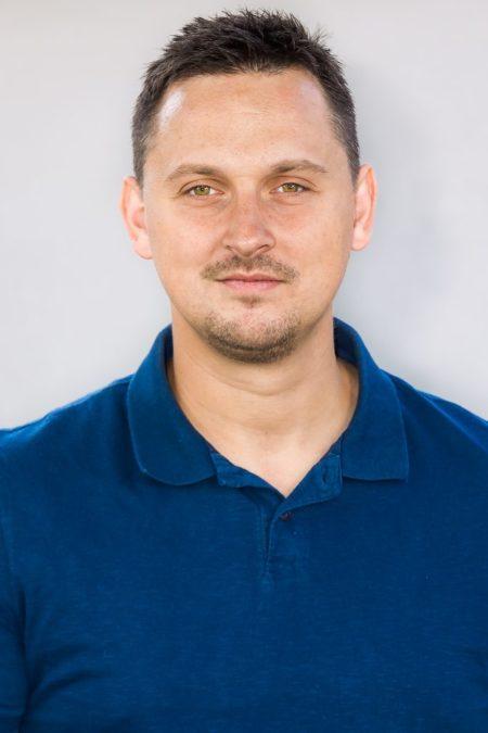 Petr-683x1024